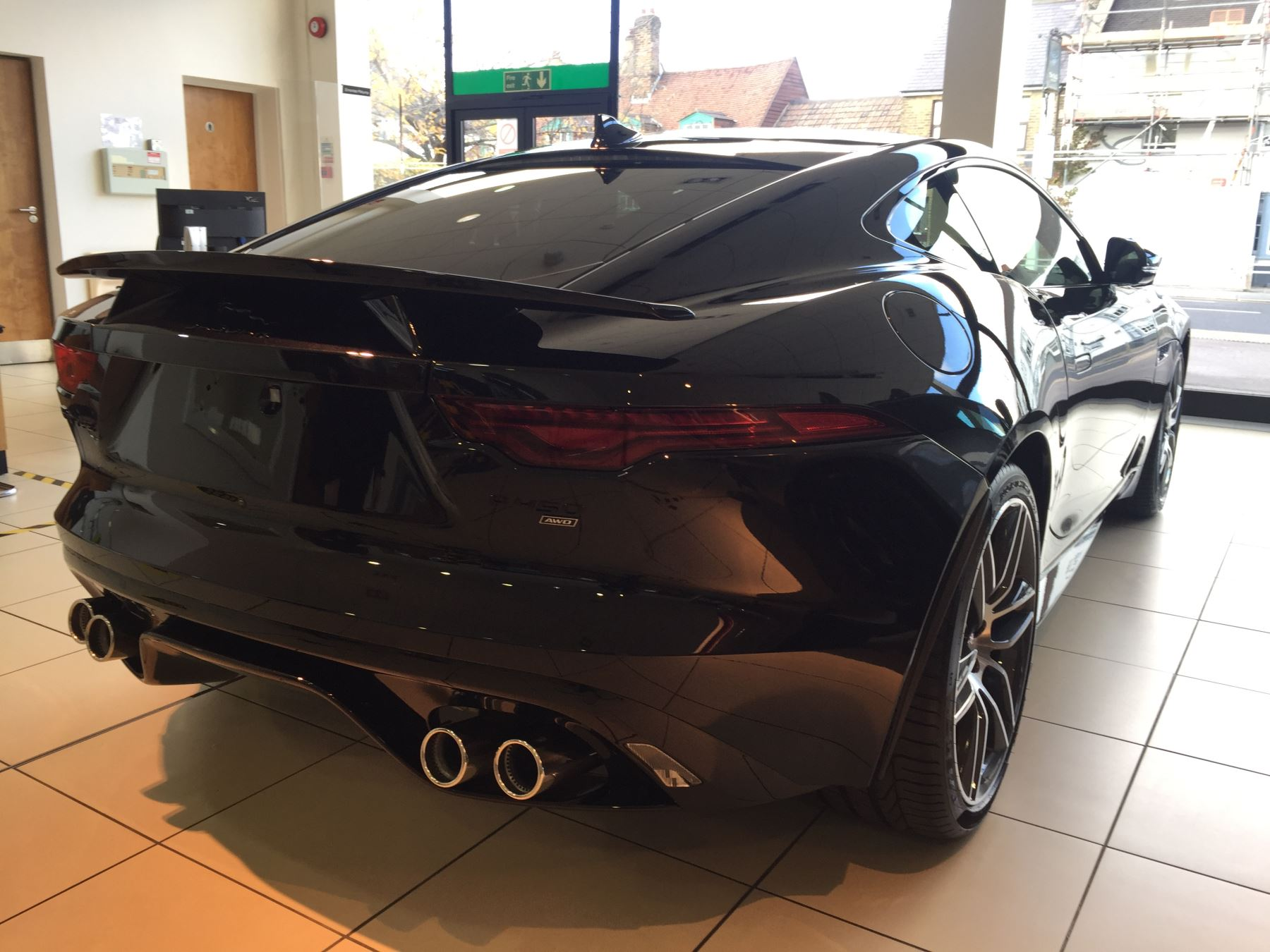 Jaguar F-TYPE 5.0 P450 Supercharged V8 R-Dynamic AWD image 7